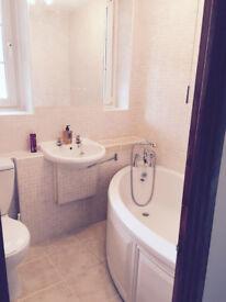 The BEST PRICED 3 double rooms. Borough/London Bridge/Elephant stations, zone 1