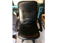 Comfy leather office chair in good condition