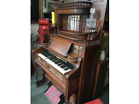 Beautiful Rare Working Antique Victorian Ornately Carved Reed Pump Organ
