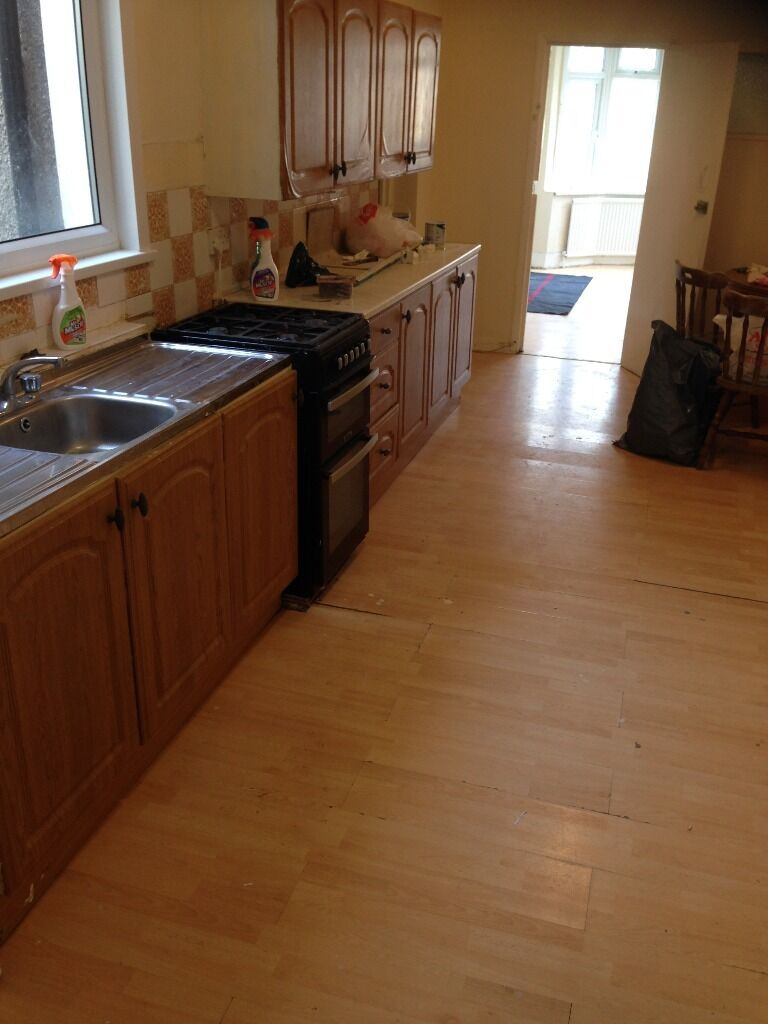3 BED G/F FLAT TO RENT IN BARKING! FULLY FURNISHED. 2 MIN WALK TO BARKING STATION STATION. MUST SEE!