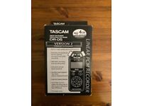 TASCAM DR-05 (+Wind Protector)
