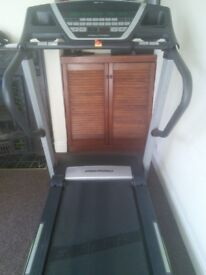 Second-hand Treadmill PROFORM 1195 ZLT. For parts or use.