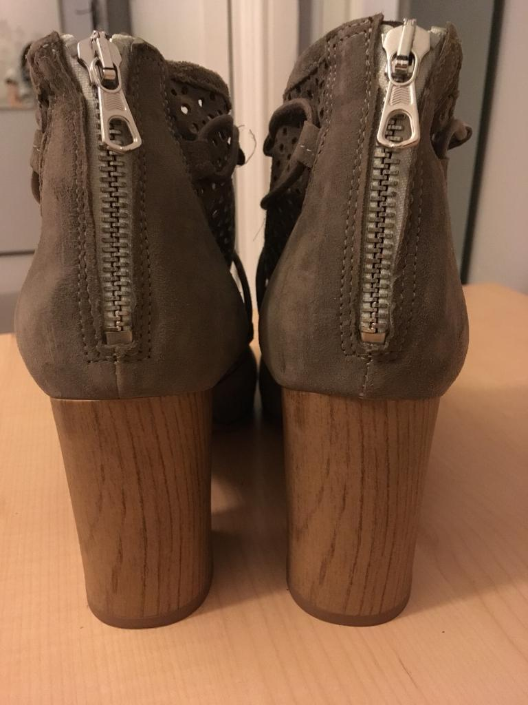 CLARKS beige summer ankle boots