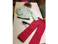 Roxy girls ski outfit age 11-12. Mint ski jacket, pink salapettes and goggles