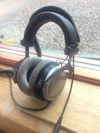 Beyerdynamic DT-880 Pro Openback Headphones