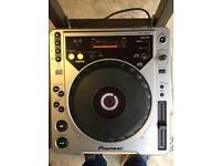 Pioneer 800 cdj in good condition