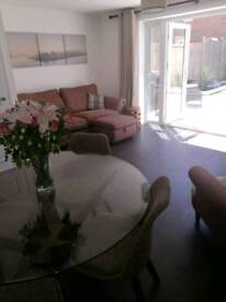 Modern & Clean Double Room for Rent - Bills Included
