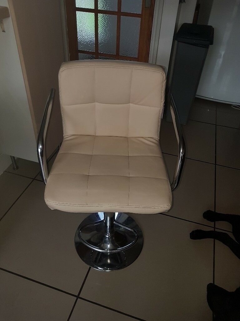 Stool for sale ( 3)