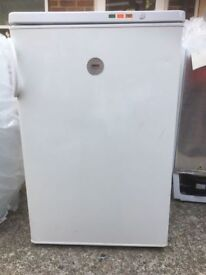 **ZANUSSI**UNDERCOUNTER FREEZER**GOOD CONDITION**FULLY WORKING**COLLECTION\DELIVERY**NO OFFERS**