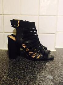 Black block Heel cut out Boots - size 5