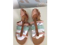 Ladies sandels