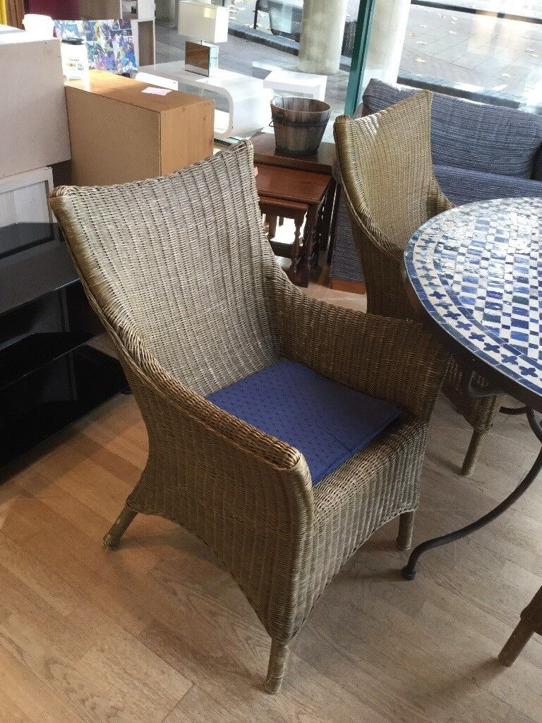 Solid Mosaic Table & Chairs