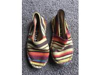 Boys canvas shoes. Size 12