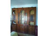 Elegant 1970s Walnut tree living room furniture (sideboard) with 5 locking compartments, etc