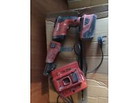Hilti collated screwgun with one battery and charger