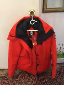 Canada Goose Authentic Jacket For Woman Size XL