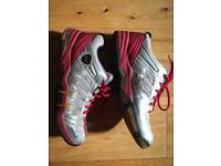 Yonex muscle power 99 Badminton shoes