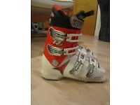 Atomic RJ Pro RS Junior Ski Boot - size 24.5 ( UK size 5 ) - Used