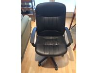 Large Swivel Office Chair (Black leather / £25)