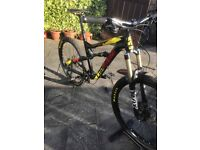 2015 LAPIERRE ZESTY 327 AM FULL SUSPENSION MOUNTAIN BIKE. £2200 RRP. Medium Frame. Immaculate !!