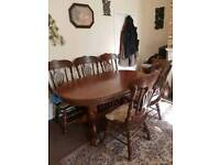 dinning table and 6 chairs in oak
