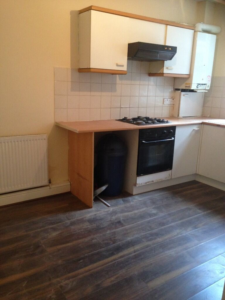 LARGE 3 BED HOUSE TO RENT IN WHITECHAPEL! VERY CLEAN AND MODERN. CLOSE TO ALDGATE EAST STATION!