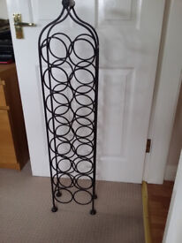 16 Bottle Wine Rack - Cast Iron with wooden handle - 110cm tall