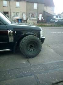 Defender wheels and tyres