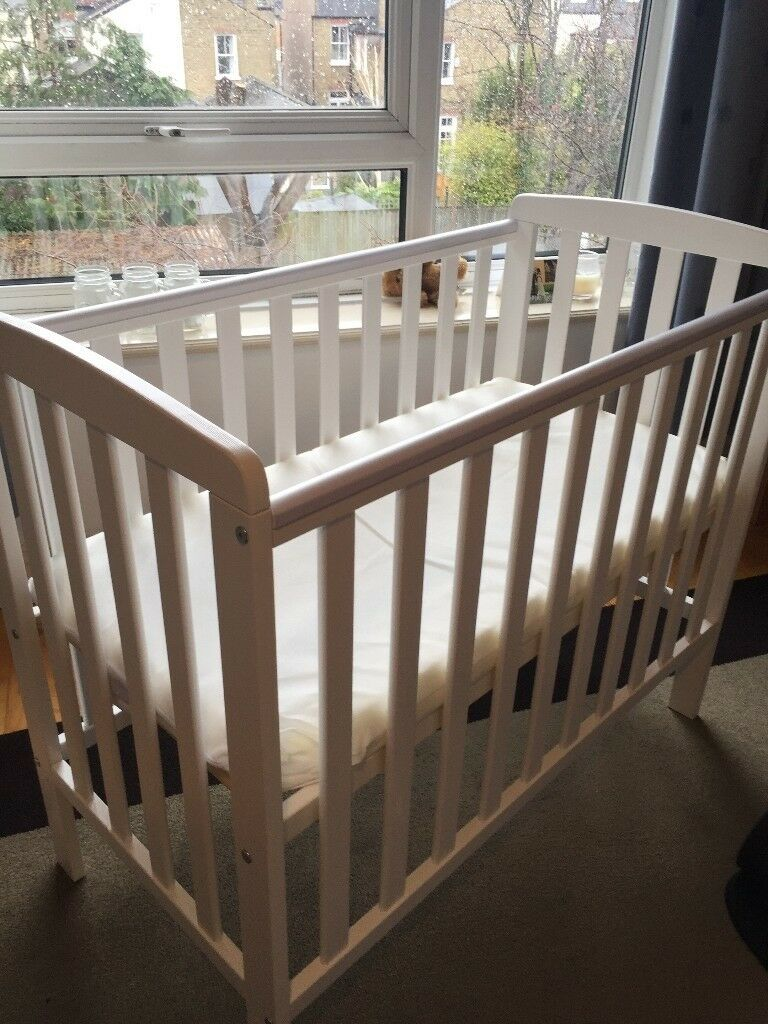 Cotbeds East Coast Cot With John Lewis Memory Foam Mattress And 2x White Fitted Sheets Nursery Decoration & Furniture