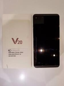Brand new Unlocked LG V20 Dual SIM H990DS 64GB B&O Certified w/ Headphones