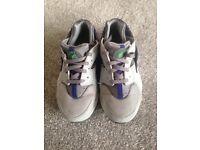 Children's size 13 Nike Huaraches