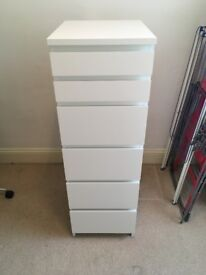 Like-new Ikea MALM chest of 6 drawers white / mirror glass