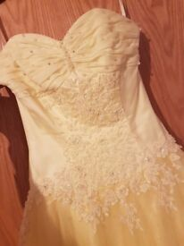 Beautiful yellow prom dress