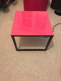 Brilliant pink side table
