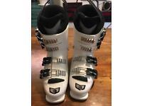 Children's Salomon Ski Boots size 21