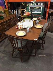 100's de tables uniques Vintage Antique Retro et modern / Great Deals on 100's of Unique Vintage tables dinning kitchen