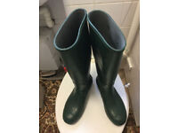 Green wellies boots in very good condition