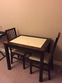 table plus 2 chairs **bargain**