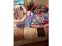 Baby vibrating chair and matching play mat