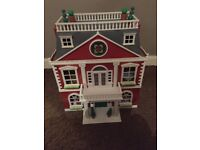Sylvanian Family items for sale in excellent condition. Regency Hotel, tree house,school and familys