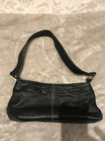 HOUSE OF FRASER BLACK LEATHER HANDBAG - GREAT CONDITION