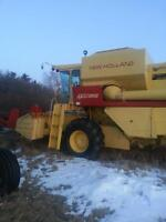 NEW HOLLAND TR85 COMBINE WITH 2 HEADERS