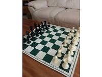 Plastic tournament chess set