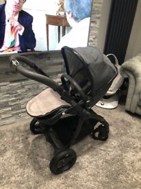 Gorgeous Egg Carrycot and Stroller