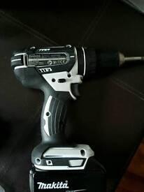 Makita 18v 3.0 ah Battey Pro Drill brand new,