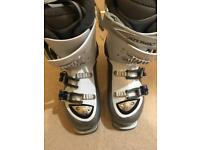Atomic ski boots with Recco