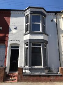 6 bed student house available September 18- Dial Street- Kensington, L6 - Bills & wifi included