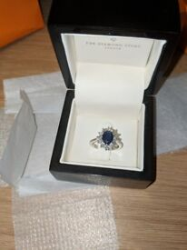 18k white gold engagement ring 1.5ct sapphire and .50 diamond