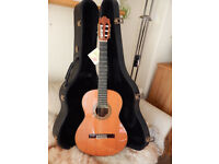 Alhambra 9C, 1982 Vintage classical Guitar, all solid wood, cedar top.