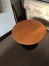 RETRO LARGE COFFEE OR SIDE/LAMP TABLE